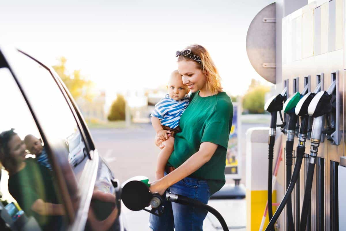 5 Tips, 5 Myths: The Truth About Saving Gas
