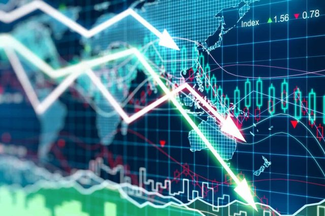 Why Is Lloyds Shares Price Dropping?